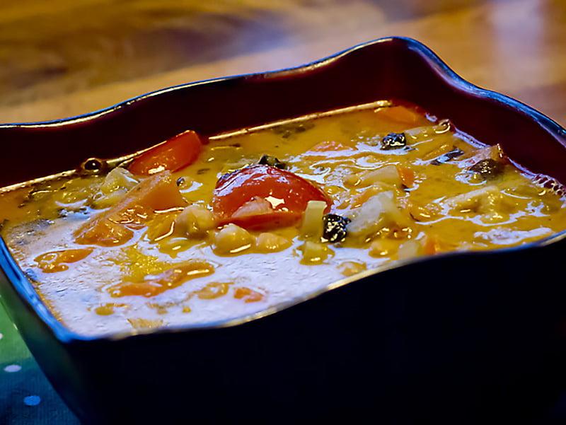 Zupa Z Ciecierzycy Z Mlekiem Kokosowym I Tajskim Wykonczeniem Mamalyga
