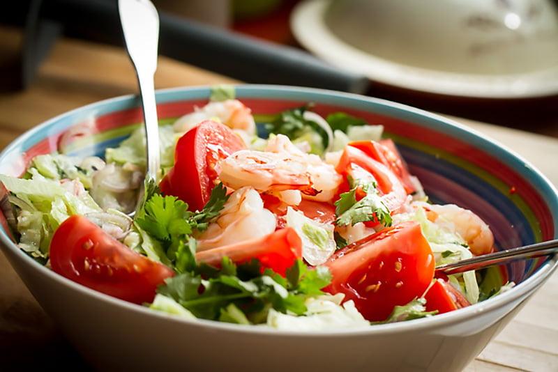 Mamalyga_tajska salatka zkrewetkami