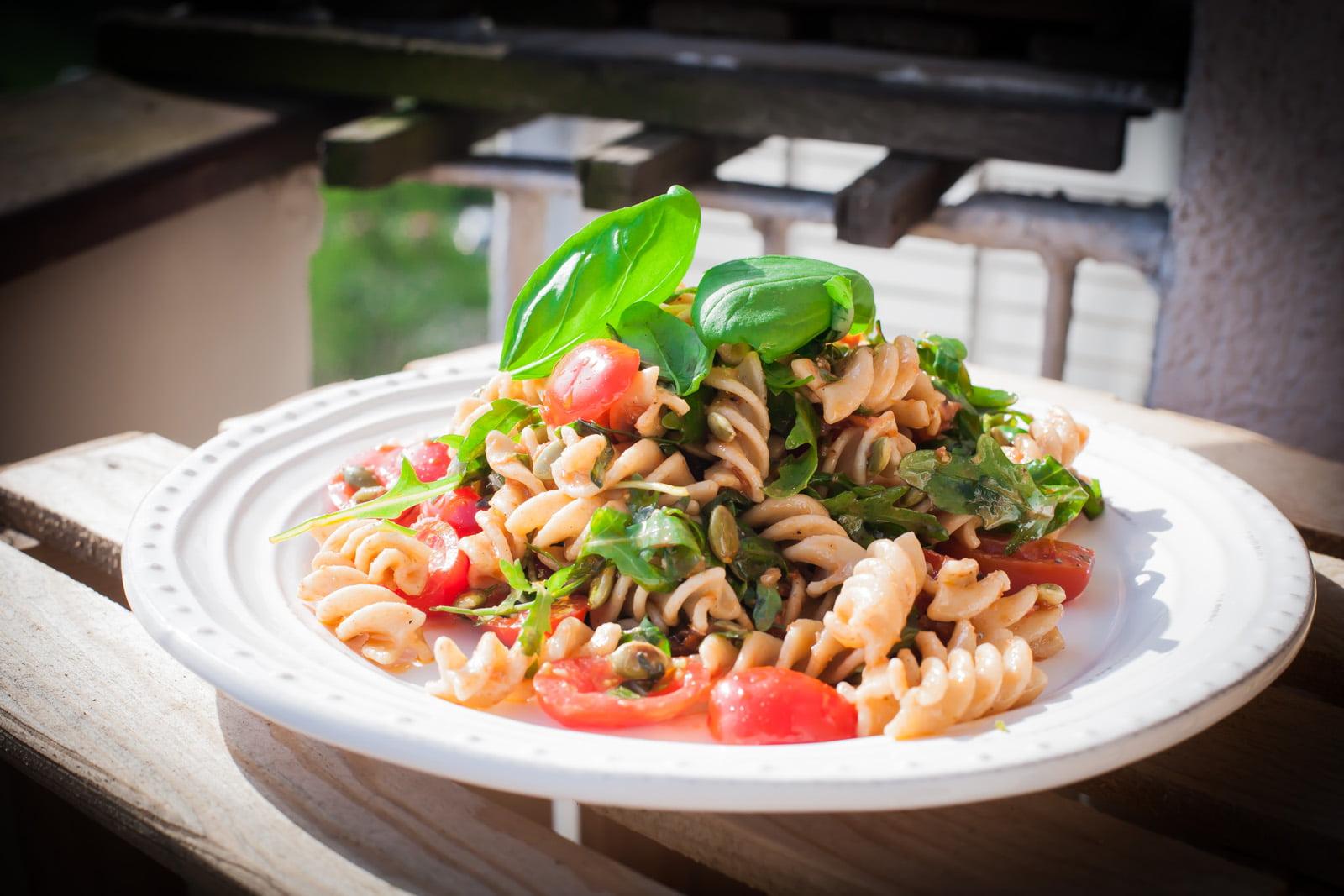 Makaron Razowy Z Suszonymi Pomidorami I Pesto Mamałyga
