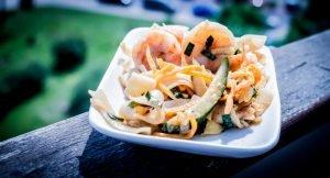 Mamalyga_makaron ryżowy z krewetkami po tajsku-7