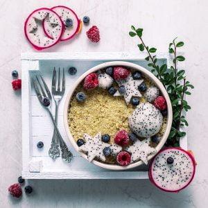 owocowa komosa ryzowa na sniadanie