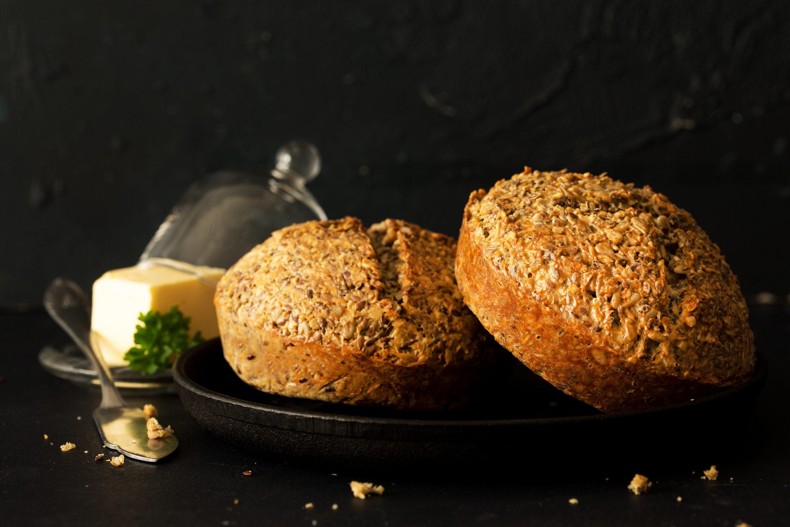 chleb bez mąki na otrębach owsianych i na twarogu