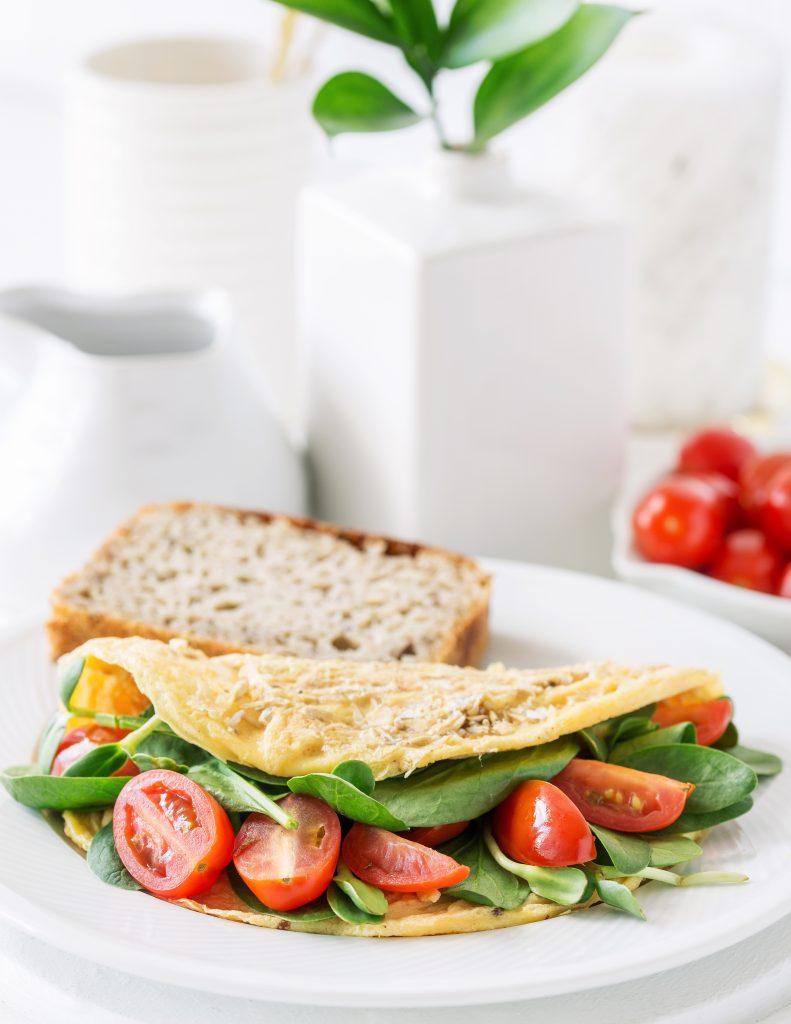 Omlet zotrębami pszennymi
