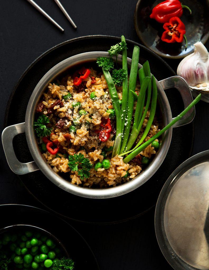 Danie w5 minut, zero waste: ryż, groszek, czosnek izioła